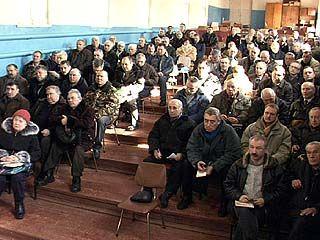 Члены гаражных кооперативов организовали собрание