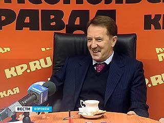 Чтобы заработать на подарок жене, Алексей Гордеев разгружал вагоны с солью