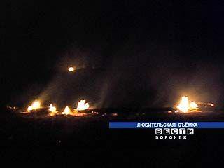 Cпасатели боролись с огнём в пригороде Воронежа