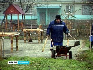 Дефицит дворников в Воронеже - более 600 человек