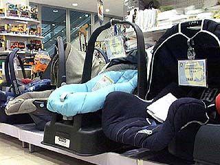 Детей до 12-лет в 2007 году придется перевозить в специальных креслах