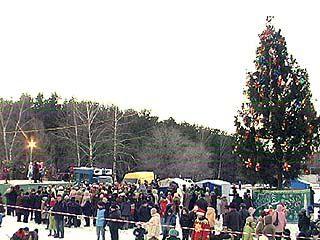 Дети Железнодорожного района встретили Деда Мороза