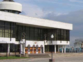 Директору театра драмы имени Кольцова - 60