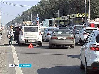 ДТП из 6 машин спровоцировало огромную пробку на Московском проспекте