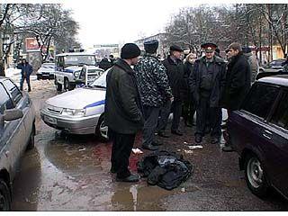 Два автолюбителя не поделили дорогу в центре Воронежа