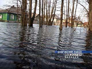Два десятка домов затоплены в Лушниковке