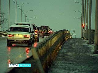 Движение по виадуку на улице Богдана Хмельницкого восстановили
