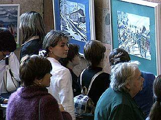 Экспозиция картин 3-х художниц открылась в доме архитектора