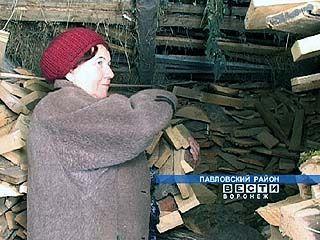 Если строители не поторопятся, то жителям придётся ещё одну зиму топить печи дровами