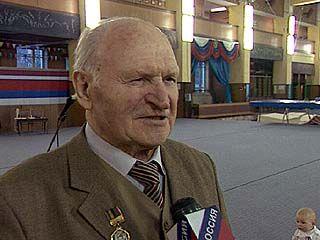 Евгению Анцупову исполнилось 85 лет
