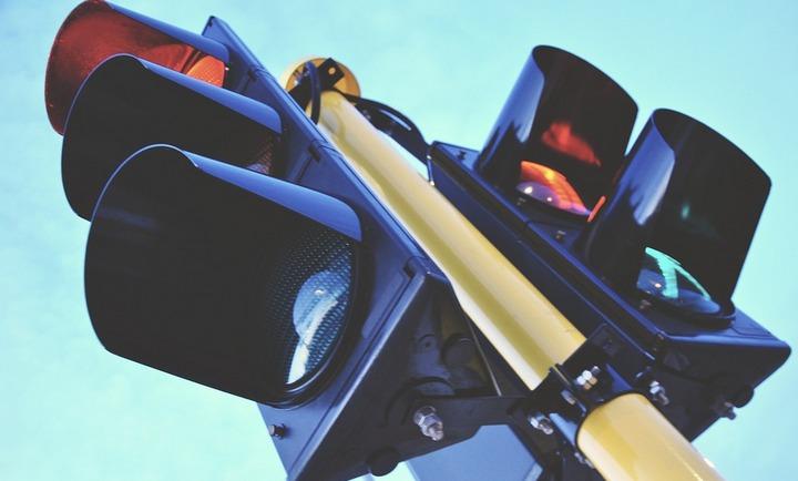 В Воронеже до 10 декабря установят 145 «умных светофоров»