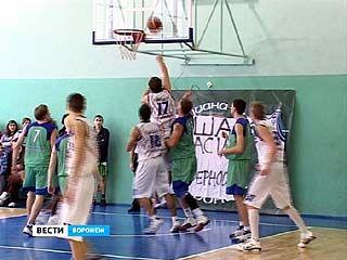 Финишировали соревнования первенства России по баскетболу среди мужских команд