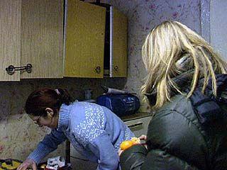 Французские девушки в Воронеже учатся в пальто