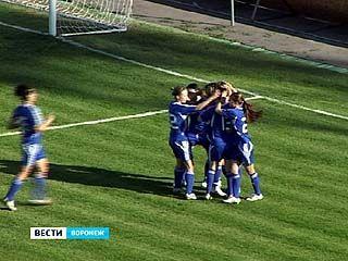 """Футболистки воронежской """"Энергии"""" сыграли с коллективом из Рязани"""