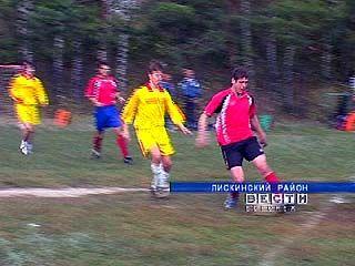 Футбольный турнир памяти братьев Семёновых состоялся в Нижнем Икорце