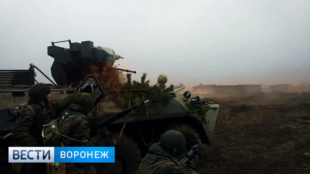 Мотострелки и танкисты ЗВО выиграли «бой» за село под Воронежем