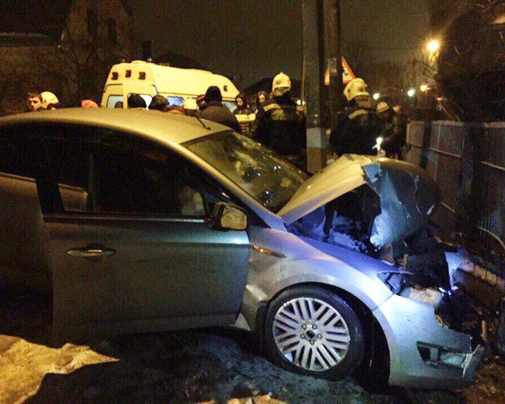 ВВоронеже нетрезвый шофёр сбил 2-х девушек натротуаре