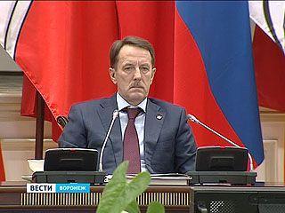 Глава региона посоветовал чиновникам экономить на покупках оборудования и машин