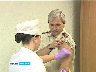 Главный санитарный врач призывал воронежцев делать прививки личным примером