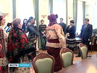 Главу Воронежа поздравили священнослужители и хористы Епарахии