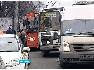 """Городские власти предлагают заменить """"Газели"""" и """"Форды"""" большими автобусами"""
