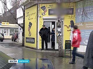 Грабители, обокравшие ювелирный салон в Воронеже, останутся под стражей