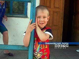 Грибановских малышей спасают от собственных родителей