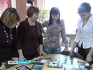Группа студентов обнаружила сотни карточек на военнопленных из Воронежской области