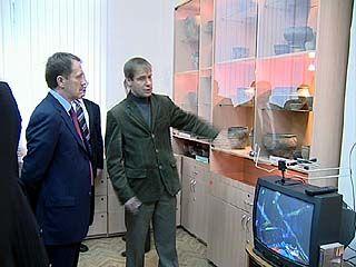 Губернатор Алексей Гордеев посетил археологический музей ВГУ