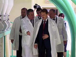Губернатор Алексей Гордеев посетил мукомольный комбинат и хлебозавод