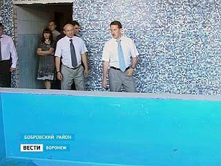 Губернатор Алексей Гордеев совершил рабочую поездку в Бобровский район