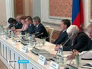 Губернатор Алексей Гордеев встретился с советом Думы
