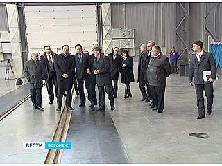 """Губернатор осмотрел новое производство компании """"Космос-Нефть-Газ"""""""
