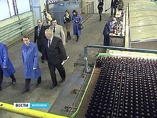 Губернатор встретился с руководством Воронежского стекольного завода