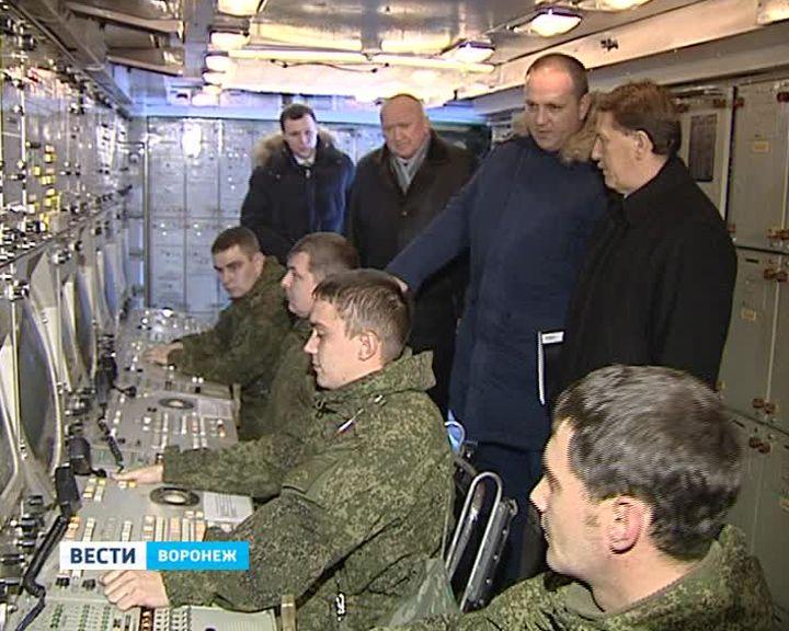 Губернатору показали, как охраняют воздушные рубежи Воронежской области