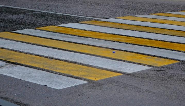 В Воронеже водитель иномарки сбил двух человек на пешеходном переходе