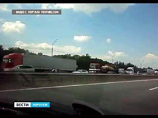 """Из-за ремонта на трассе М-4 """"Дон"""" образовалась огромная пробка"""