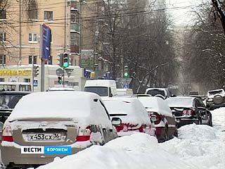 Из-за снегопада на воронежских дорогах случился настоящий коллапс