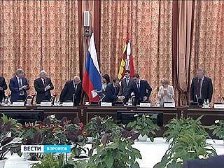 Избранный глава Воронежской области принимает поздравления и наказы