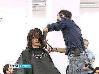 Известный французский парикмахер Оливье Лекайон дал мастер-класс в Воронеже