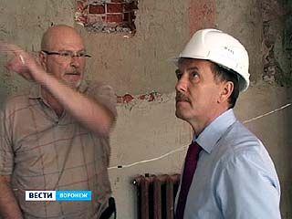 К сентябрю фасад Воронежского драмтеатра должен быть готов