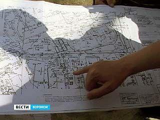Канализационные трубы от спорткомплекса в Сомово идут к жилым домам