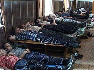 Количество голодающих достигло 69 человек