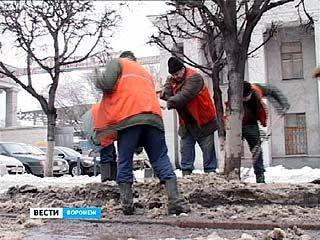 Коммунальные службы спешат очистить город от снега и льда до оттепели