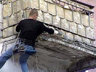 Коммунальщики насчитали в Воронеже 350 опасных балконов