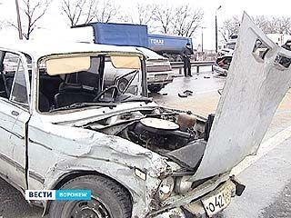 """Крупное ДТП на трассе М4 """"Дон"""": один человек погиб, двое в больнице"""