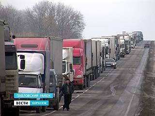 Крупное ДТП парализовало движение на федеральной магистрали в Павловском районе