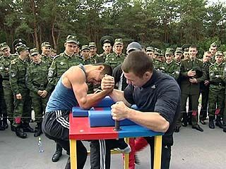 Курсанты ВВАИУ приняли участие в спартакиаде родного ВУЗа