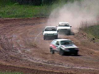 Любители автоспорта соревновались в Белом Колодце