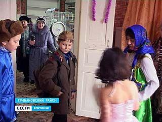Магазинные прилавки в селе Нижний Карачан становятся театральными подмостками